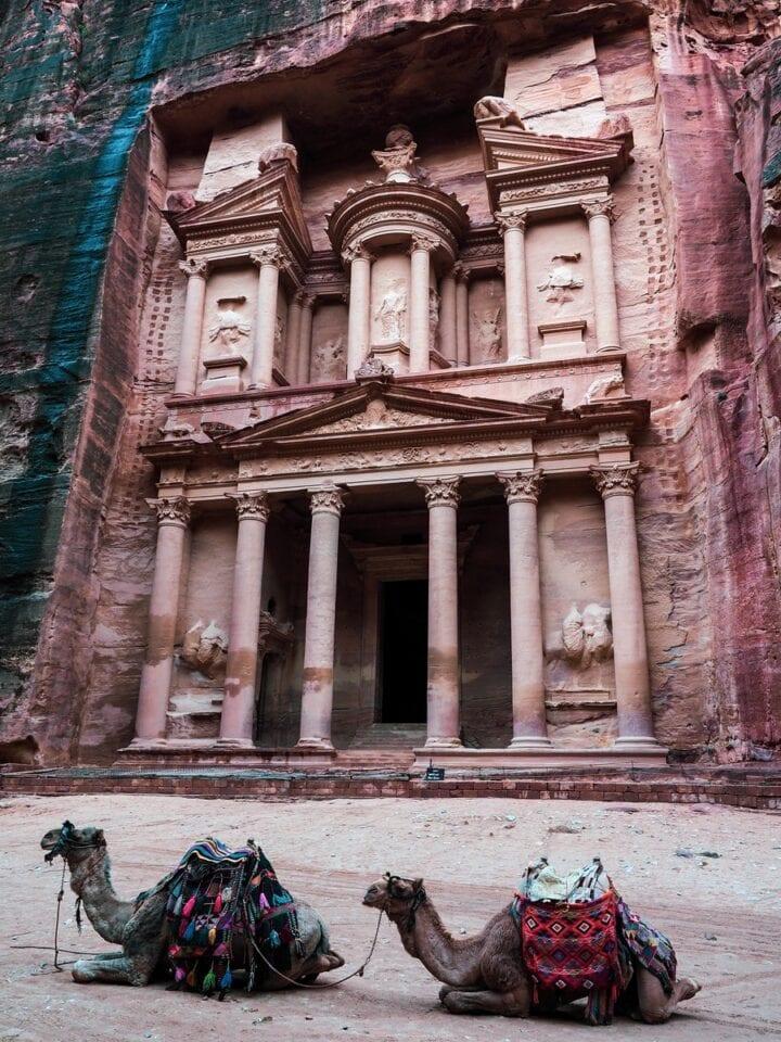 Skarbiec i Wielbłądy w Petrze