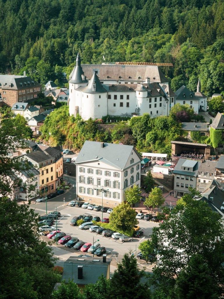 widok na miasteczko Clervaux