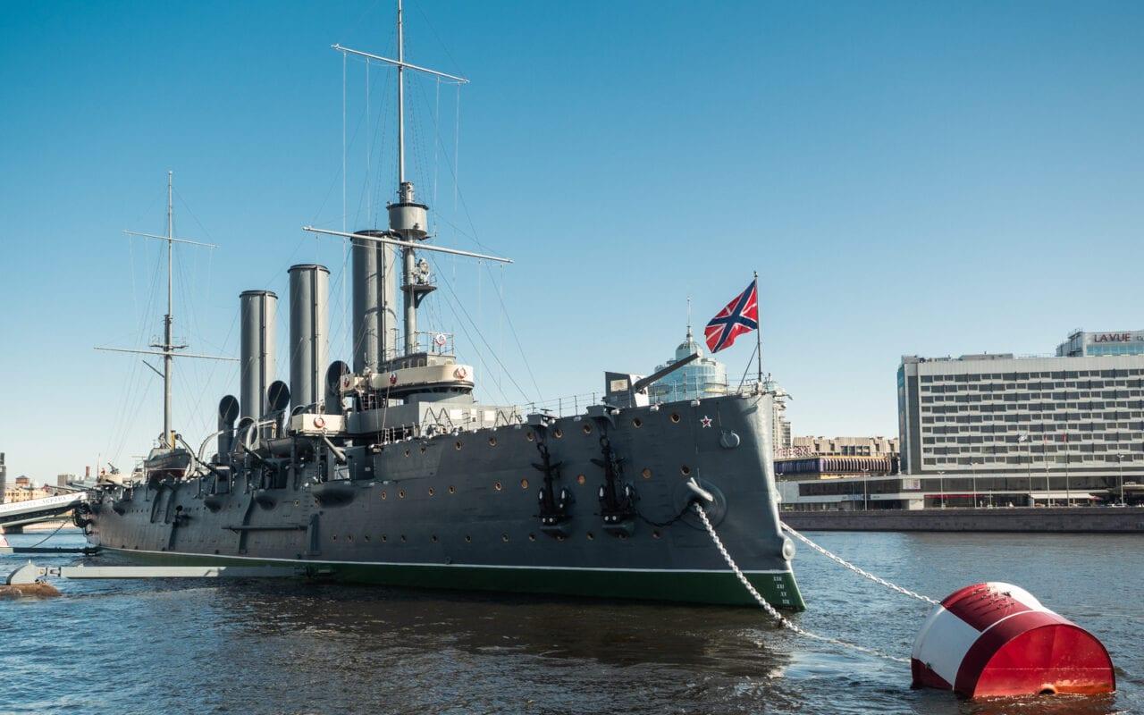 petersburg-co-zobaczyć-krążownik-Aurora