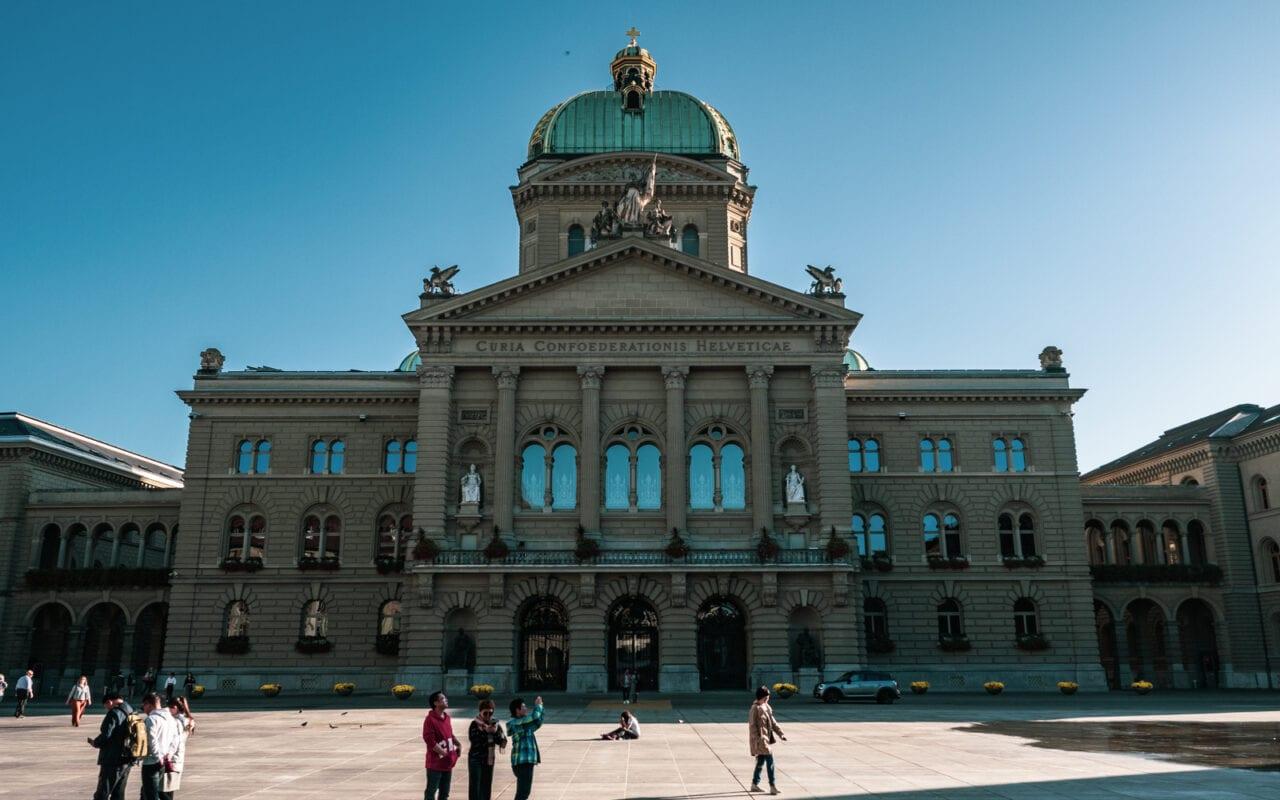 co-zobaczyć-w-szwajcarii-parlament-w-bernie