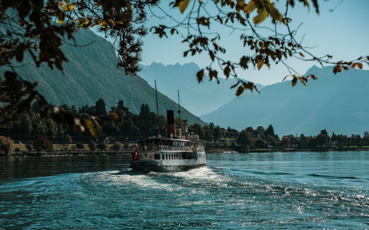atrakcje-szwajcarii-rejs-po-jeziorze-genewskim
