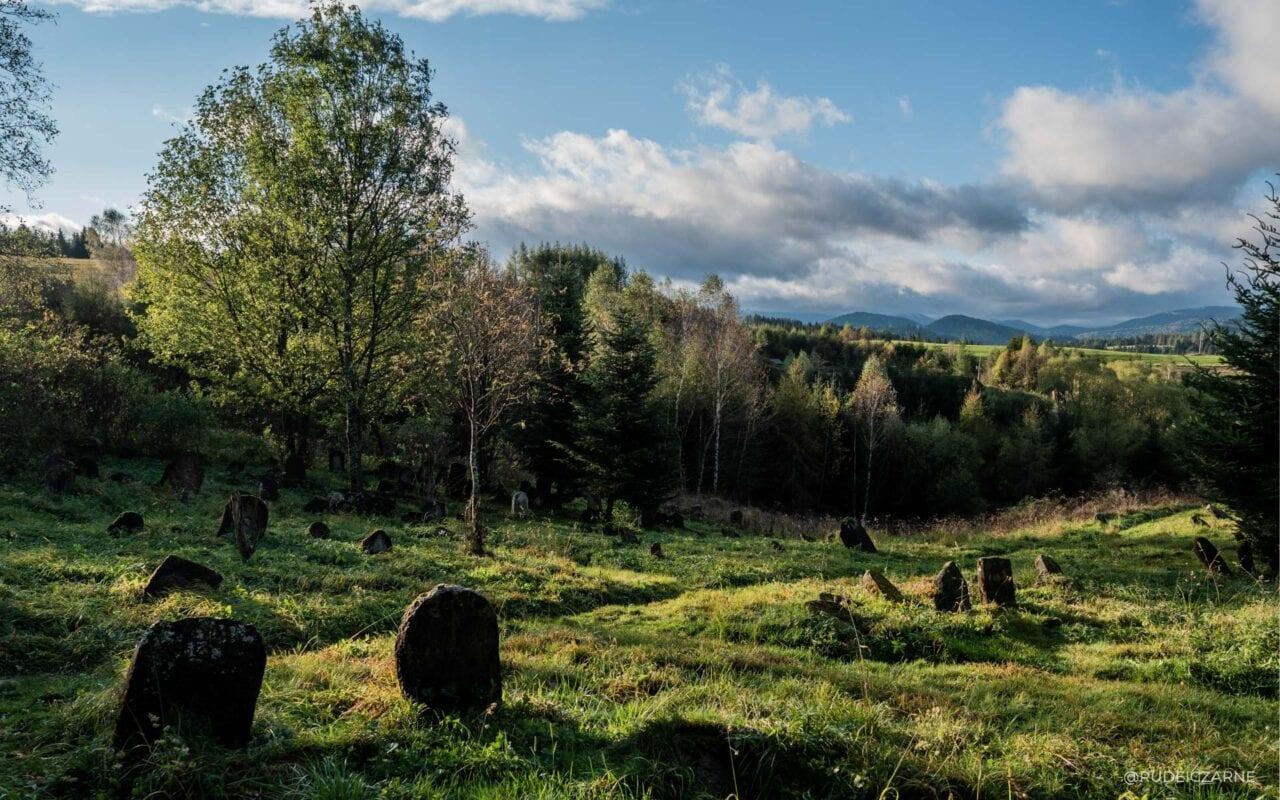 opuszczone-wioski-cmentarz-zydowski-9-HDR