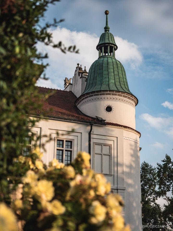 zamek-baranow